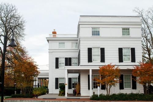 Topping Rose House Photo