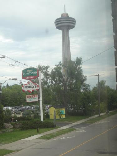 Empress Inn And Suites By The Falls - Niagara Falls, ON L2G 3W3