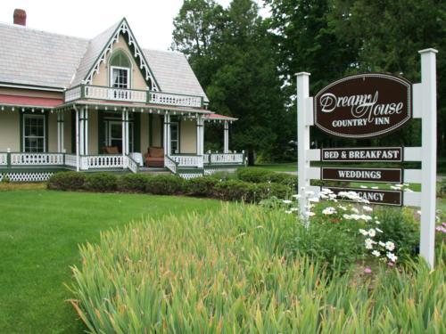 DreamHouse Country Inn Photo