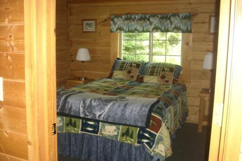 Box Canyon Cabins - Seward, AK 99664