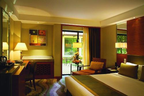 Jianguo Hotel photo 5