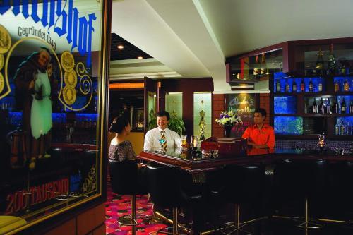 Jianguo Hotel photo 12