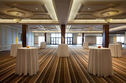 Delta Hotels By Marriott Toronto Airport & Conference Centre Photo