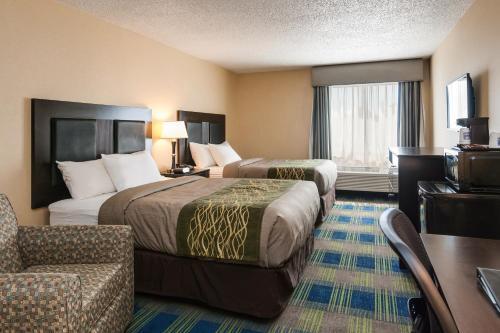 Comfort Inn & Suites Meriden Photo
