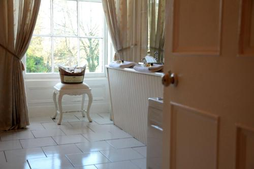 Ferndale Cottage, 3 Mallow Rd, Twopothouse, Doneraile, Co. Cork, P51 FW98, Ireland.