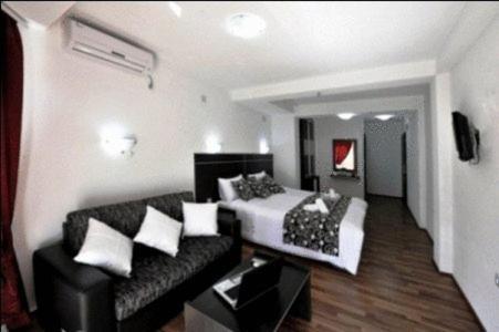 https://q-xx.bstatic.com/images/hotel/max500/327/3270758.jpg
