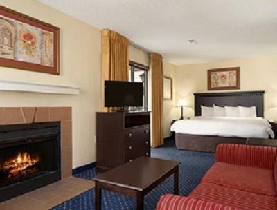 Hawthorn Suites - Fort Wayne Photo