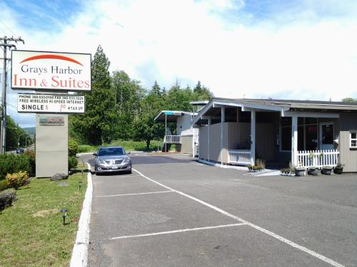 Grays Harbor Inn & Suites - Aberdeen, WA 98520