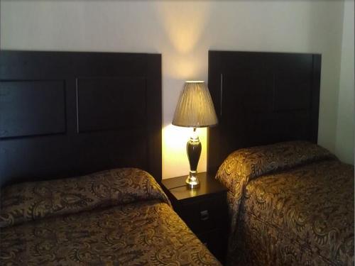 Junction Inn - Centerville, IA 52544