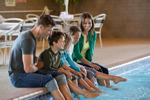AmericInn Lodge & Suites Cedar Falls Photo