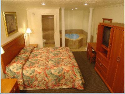 Wildwood Inn - Florence, KY 41042