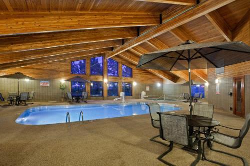 AmericInn Lodge & Suites Mitchell Photo