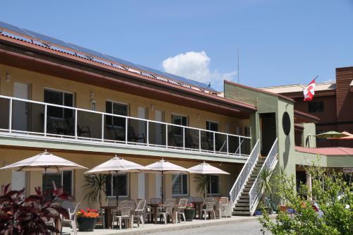 Waterfront Inn Photo