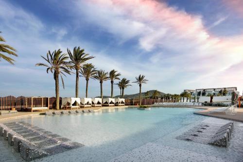 Carretera Playa d'en Bossa, s/n, Playa d'en Bossa 07817, Ibiza, Spain.