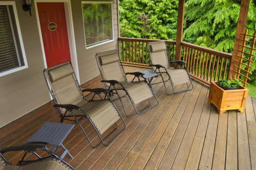 Wild Pacific Bed And Breakfast - Ucluelet, BC V0R 3A0