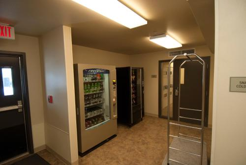 Woodspring Suites Williston - Williston, ND 58801