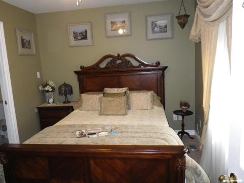 A Vineyard View Bed And Breakfast - Niagara On The Lake, ON L0S 1J0