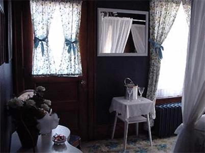 The Mansion Bed And Breakfast - Dundee, IL 60118