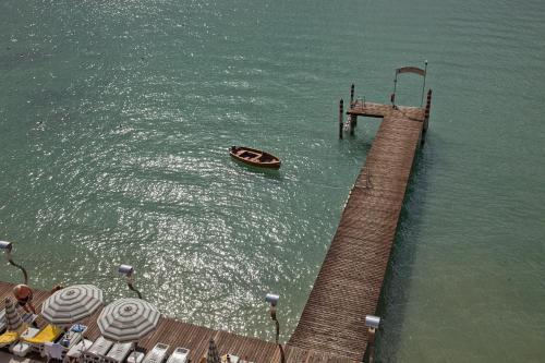 Via Punta Staffalo, 7, 25019 Sirmione, Lake Garda, Italy.
