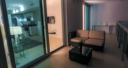 Suite Life Miami Apartments Monte Carlo - Miami Beach, FL 33141