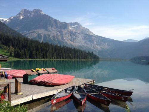Canadian Rockies Inn - Adults Only - Field, BC V0A 1G0