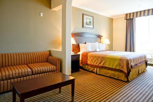 Days Inn & Suites Anaheim - Garden Grove Photo