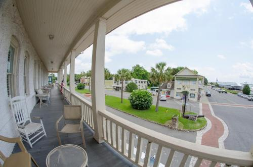 Riverview Hotel - Saint Marys, GA 31558
