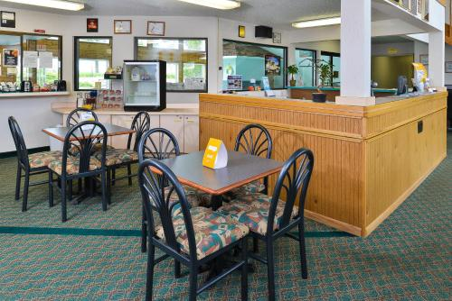 Travelodge By Wyndham Spearfish - Spearfish, SD 57783