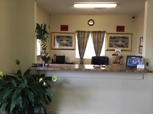 Red Carpet Inn Taylorsville - Taylorsville, MS 39168