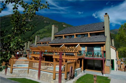 Horsethief Lodge By High Country Properties - Panorama, BC V0A 1T0