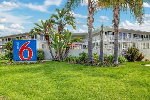 Motel 6 Santa Barbara - Beach Photo