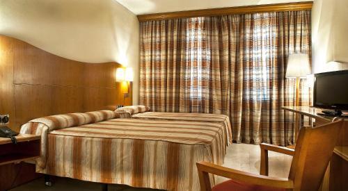 Hotel Aristol - Sagrada Familia photo 4