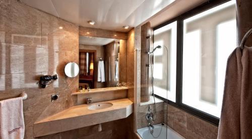 Hotel Aristol - Sagrada Familia photo 7