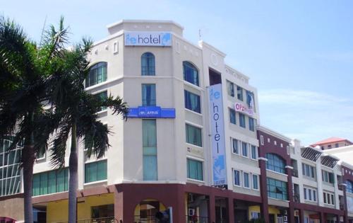 Le Hotel Kota Kinabalu photo 1