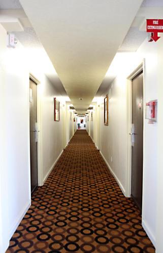 Granada Inn photo 16
