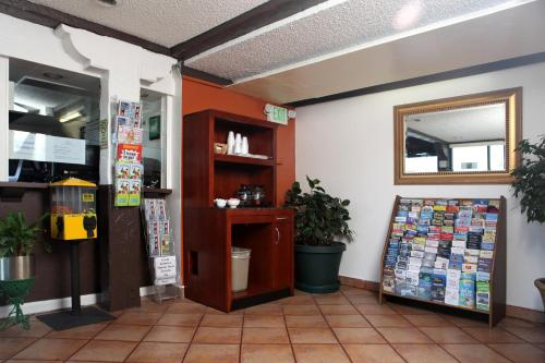 Granada Inn Photo