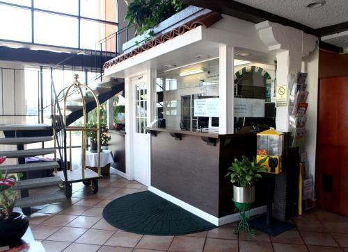 Granada Inn photo 26