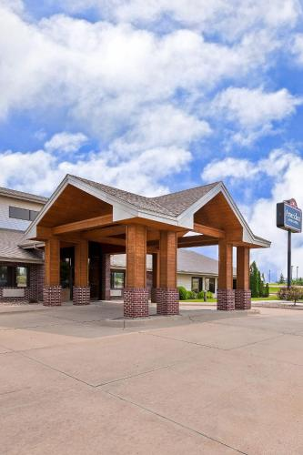 AmericInn Lodge and Suites - Muscatine Photo