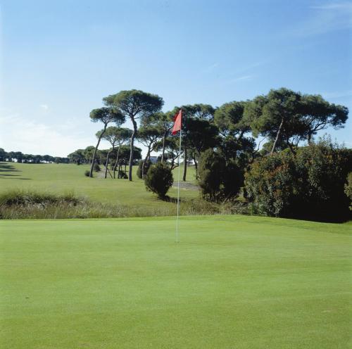 Zweibettzimmer mit Green Fee Hotel Nuevo Portil Golf 10