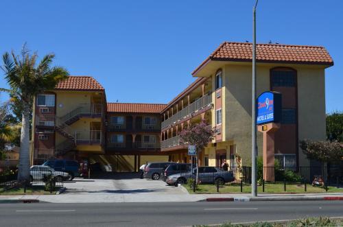 Cloud 9 Inn LAX Photo
