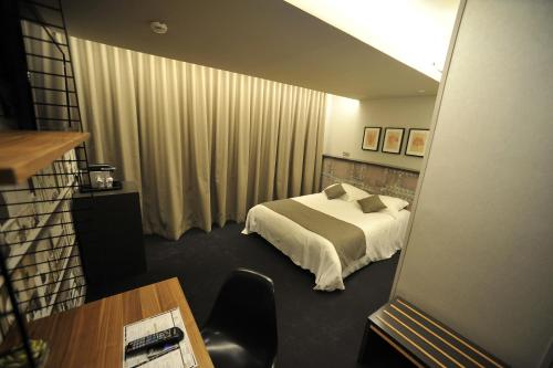 hotel nota bene montceau les mines desde 89 rumbo. Black Bedroom Furniture Sets. Home Design Ideas