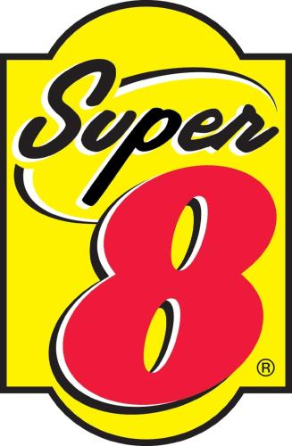 Super 8 - Holton Photo