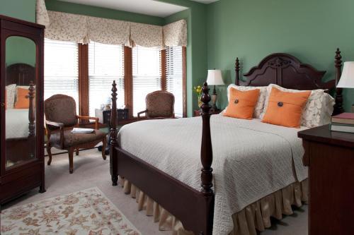 Brewster House Bed & Breakfast - Freeport, ME 04032