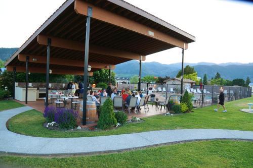 Mountain View Lodge - Manson, WA 98831