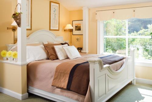 Bufflehead Cove Inn - Kennebunkport, ME 04043