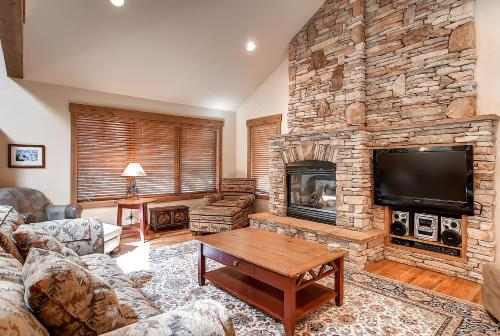 Three-bedroom Mallard Court Villa - Frisco, CO 80443