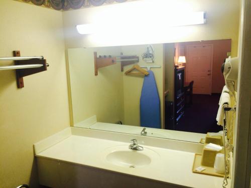 Stratton Inn - Princeton, KY 42445
