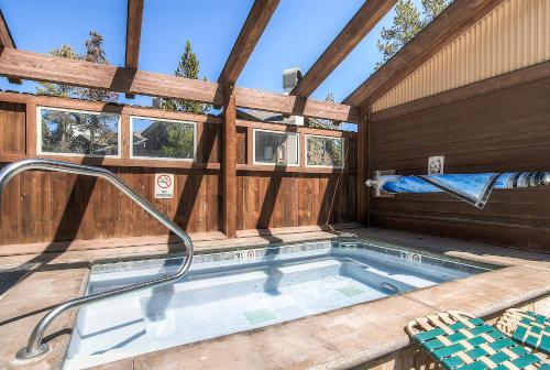One-bedroom Sundowner Condo T4 - Breckenridge, CO 80424