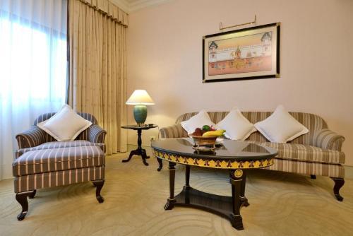 Evergreen Laurel Hotel Sathorn Bangkok photo 3