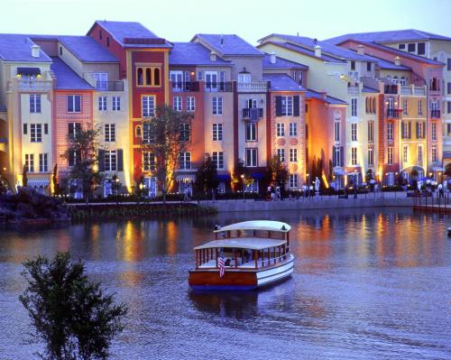 Universal's Loews Portofino Bay Hotel photo 11